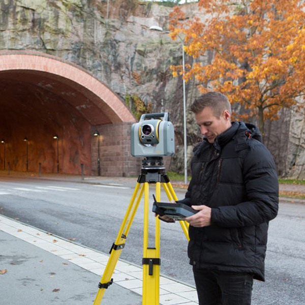 Trimble-SX10-TotalStation-app-tunnel-7660-LR.jpg